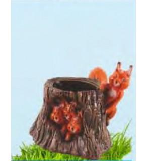 Trunchi cu veverițe
